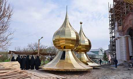 В Успенском соборе брянского монастыря освятили купол