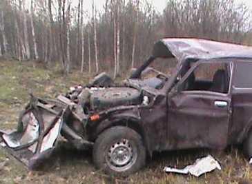 Брянский водитель, перевернув автомобиль, сломал себе позвоночник