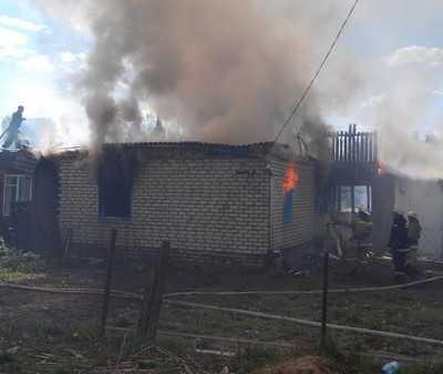 В брянской Дубровке при пожаре сгорели три человека