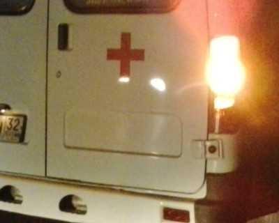В Брянске «скорая» врезалась в столб – пострадали медики