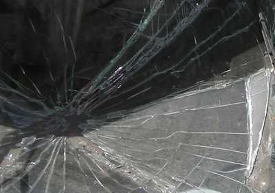 Предъявлено обвинение брянскому хулигану, побившему автомобиль