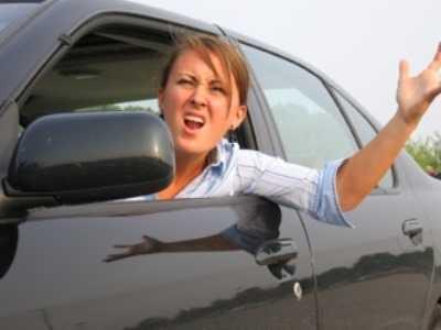 В Брянске столкнулись три легковушки с дамами за рулём