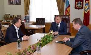 Брянский губернатор принял любимого строителя Михаила Кабанова