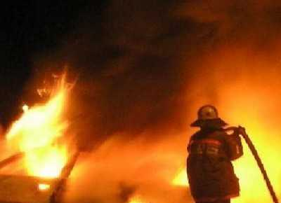 Молния зажгла два дома в брянских деревнях