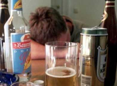 В Клинцах  подросток умер от отравления алкоголем