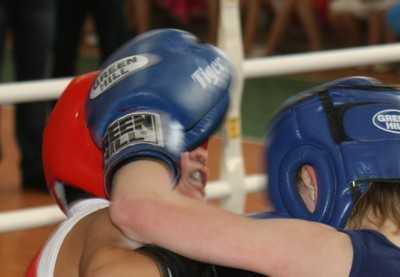 На соревнованиях по боксу  в Брянске погиб юный спортсмен
