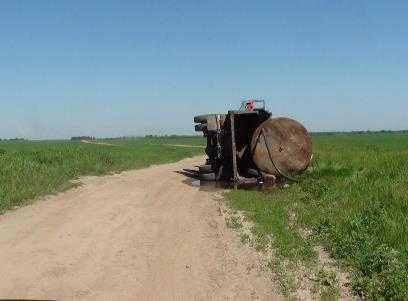 В Погарском районе перевернулся «КАМАЗ» с 8 тоннами воды