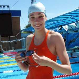 Юная брянская пловчиха стала призёром первенства страны