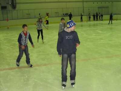Юных брянских фигуристов оставили без тренеров