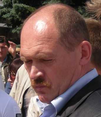 Строитель Артамонов спас бывшего мэра Брянска Смирнова от кокинцев