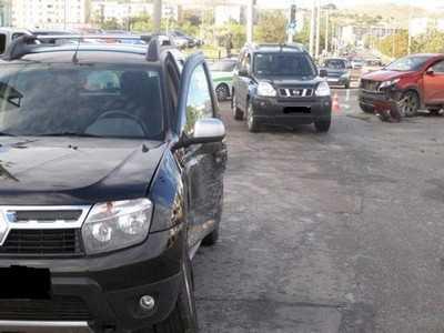 Три брянца пострадали при столкновении «Рено» и «Киа»