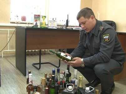 В брянском гараже полиция изъяла 1800 бутылок опасного алкоголя