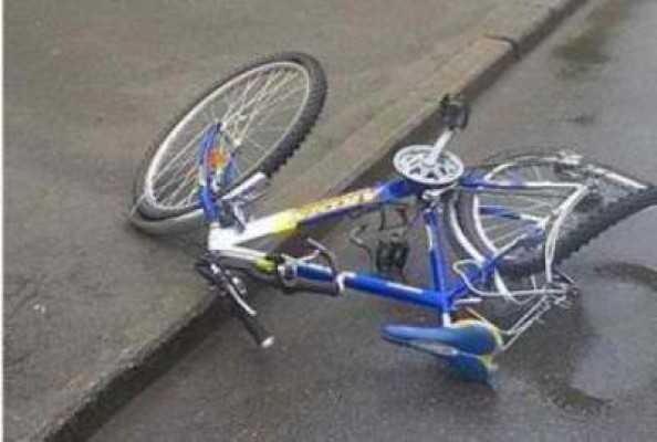 В Клинцах ребенок на велосипеде столкнулся с «Фордом»