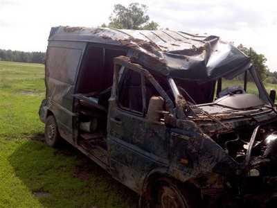 В Комаричском районе перевернулся украинский микроавтобус