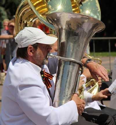 Брянску в День России подарили «Город мастеров» и вдохновенные мелодии