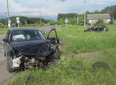 В Брянске при столкновении иномарок пострадали три человека