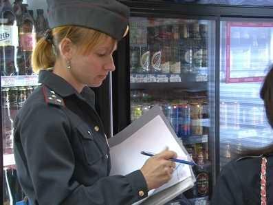 На продаже алкоголя подросткам попались 130 брянских торговцев