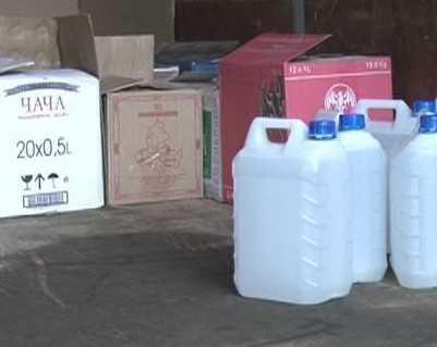 Брянские полицейские изъяли в гараже 1000 бутылок поддельного алкоголя