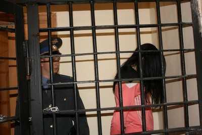 В Брянске задержали курьера мошенников, выманивших у старика 400 тысяч
