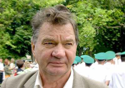 Брянская Дума присвоила звание советскому начальнику Владимиру Есликову
