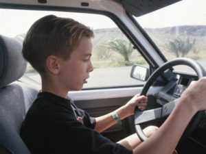 Задержан брянский подросток, угнавший автомобиль с охраняемой стоянки