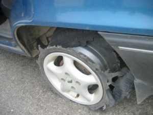 Под Брянском пассажирка авто пострадала из-за взорвавшего колеса