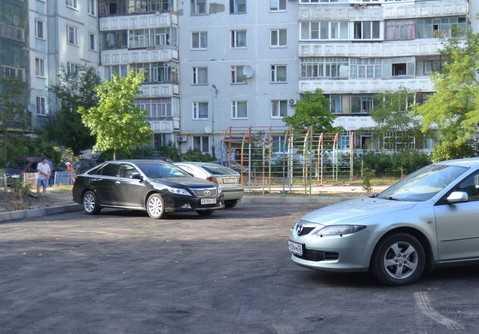 Предвыборные чудеса: брянские чиновники нарисовали площадку и парковку