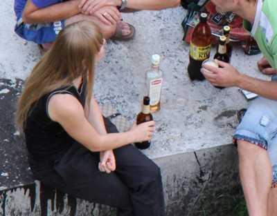 Брянские подростки погрязли в наркомании и алкоголизме