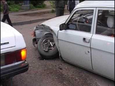 На брянской трассе «Волга» убила пешехода и протаранила иномарку