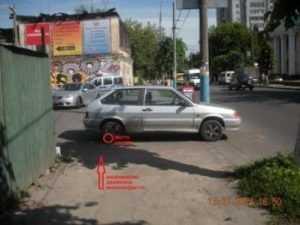 В Брянске восьмилетний велосипедист врезался в легковушку