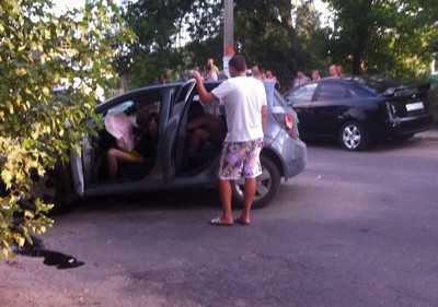 В Брянске разбился водитель, его приятели ранены