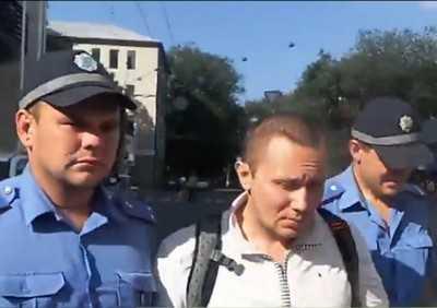 В Харькове с подачи нацистов парня задержали за Георгиевскую ленточку