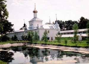Брянцам предложили посетить Свято-Введенский монастырь
