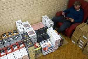 Дизайнер, назвавший Брянск «унылой деревней», подарил ему 15 книг