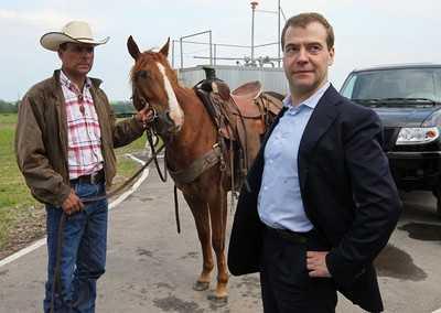 Председатель правительства Дмитрий Медведев прилетит в Брянск