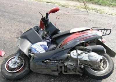 На брянских дорогах разбились двое скутеристов и мотоциклист