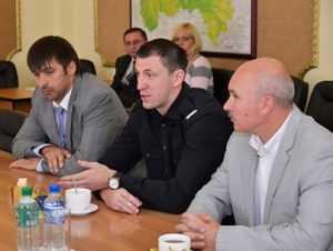 Брянский баскетболист Фридзон поддержал детский турнир своим миллионом