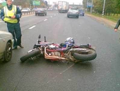 В Сельцо мотоциклист погиб, врезавшись в «семёрку»