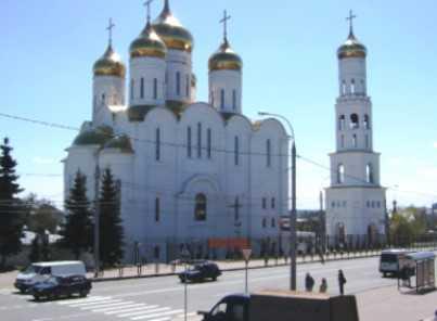 В Брянск доставили мощи святых Манефы Гомельской и Иоанна Кормянского