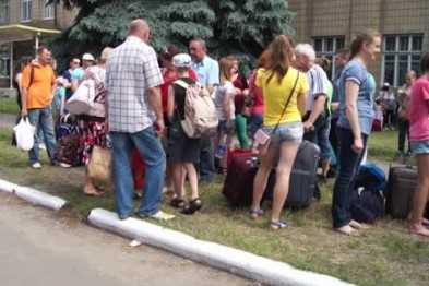 Беженцев из Донбасса украинские власти отправляют к черту на кулички