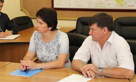 Стародубские чиновники поклялись платить учителям по 20700 рублей