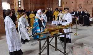 В Свенском монастыре под Брянском освятили купол собора