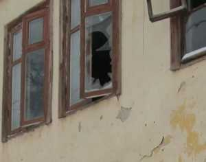 От брянского губернатора потребовали спасти жильцов падающего дома