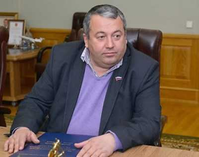 Брянский облсуд отклонил жалобу снятого с выборов депутата Сахелашвили
