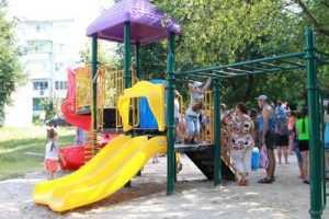 В Брянске отпразднуют юбилей ограбленного 10 микрорайона