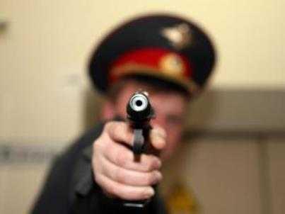 В Дятькове полицейский застрелил хулигана, угрожавшего детям