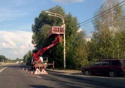 В Брянске на Флотской улице установили фонари для освещения дороги