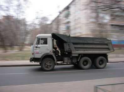 В Навле «КАМАЗ» насмерть задавил 75-летнего старика и скрылся