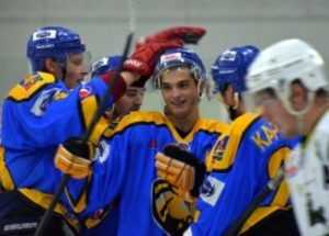Хоккейный клуб «Брянск» одержал третью победу в МХЛ, одолев «Клин»