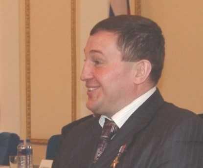Бочаров и Потомский побеждают на губернаторских выборах